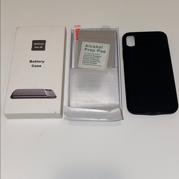 NWOT iPhone X Charging Case